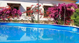 Spectacular 250m2 Villa in the hotel area next to the beaches