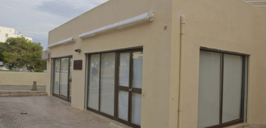 Comercial property in hotel zone