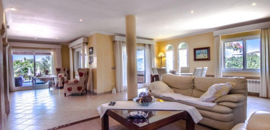Holiday rental luxury Villa