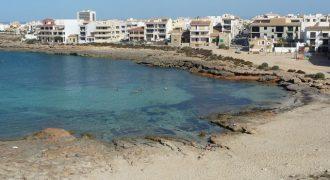 Apartamento con vista a la Cala Galiota y a la Isla Cabrera