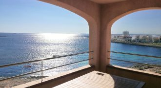 Flat for sale with sepctacular sea views in Colònia Sant Jordi
