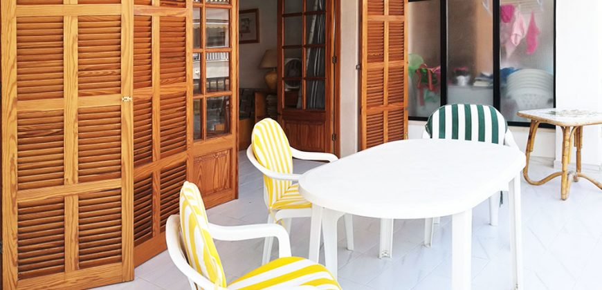 Spacious and bright apartment near the harbor