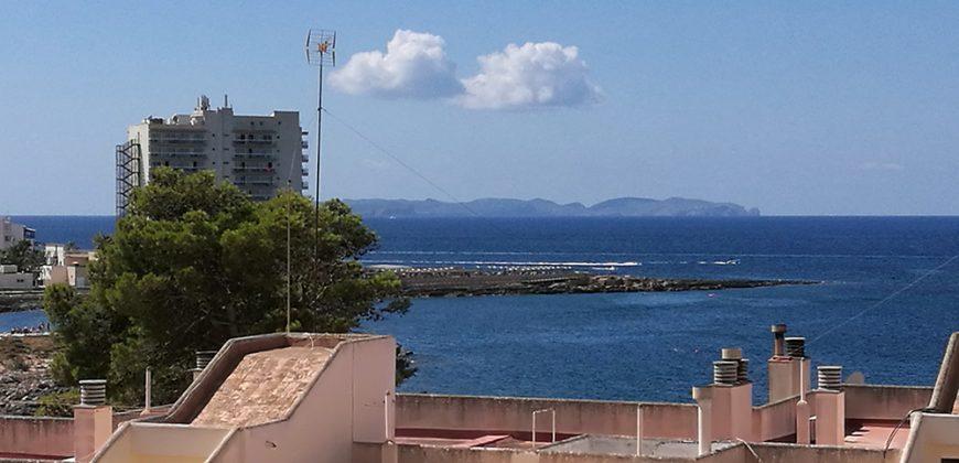 Excelente ático en zona residencial cerca del mar