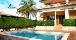 Spectacular villa in perfect condition in residential area