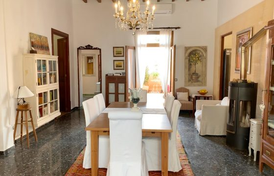 Charmantes mallorquinisches Haus, komplett renoviert, in bester Lage in Colonia de Sant Jordi und nur 20 Meter vom Meer entfernt, gegenüber der Insel Cabrera.