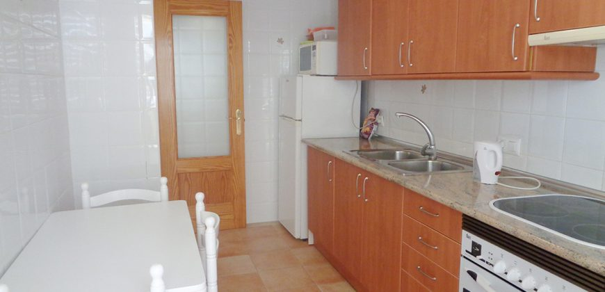 An excellent apartment of large dimensions in the port area very close to the beach.