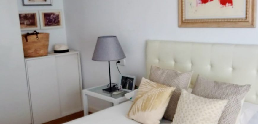 Spacious apartment with large terrace in Santa Catalina with a total area of 210 m2.