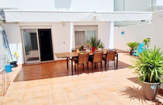 Geräumige Wohnung mit großer Terrasse in Santa Catalina mit einer Gesamtfläche von 210 m2. Eine Terrasse von 50 m2 im Zentrum von Palma!
