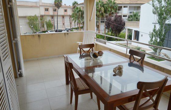 Schöne Wohnung und sehr gut in einer guten Gegend in Colonia de Sant Jordi erhalten.