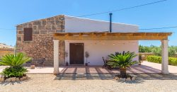 Beautiful rustic house in the countryside just five minutes from Colonia de Sant Jordi.