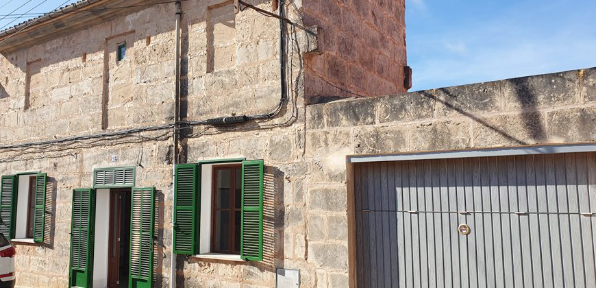 Bonita casa reformada con mucho jardín en Ses Salines.