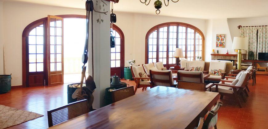 ÚNICA Y ESPECTACULAR PROPIEDAD DELANTE LA ISLA DE CABRERA.