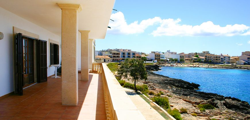 Unique and Spectacular property in front of the island of Cabrera.