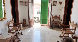 TOWN HOUSE IN SES SALINES.