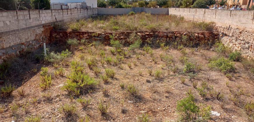 PLOT IN A QUIET AREA OF 600 M2